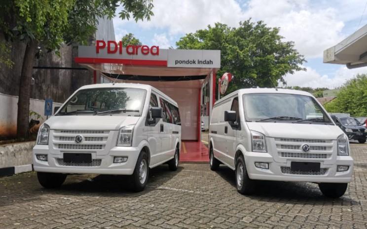 DFSK Gelora. Model pertama hadir dalam bentuk blind van.  - DFSK.