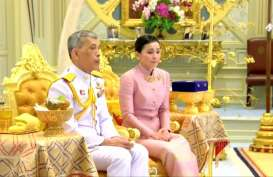 Usai Didemo, Raja dan Ratu Thailand Turun ke Jalan