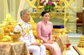 Usai Didemo, Raja dan Ratu Thailand Turun ke Jalan…