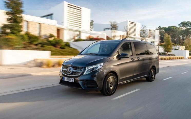Saat ini Mercedes Benz V-Class telah hadir dengan sorotan teknologi baru.  - Mercedes Benz