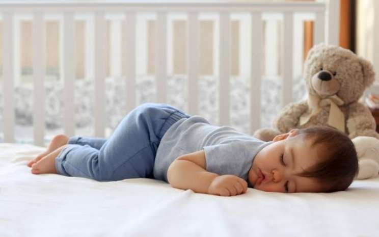 Bayi sedang tidur