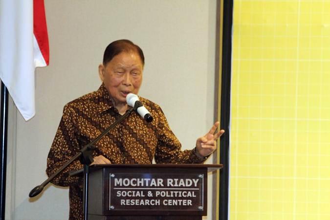 Pendiri Grup Lippo Mochtar Riady memberikan penjelasan di sela-sela peresmian Gedung Mochtar Riady FISIP Universitas Indonesia (UI), Depok, Jawa Barat, Kamis (2/5/2019). - Bisnis/Nurul Hidayat
