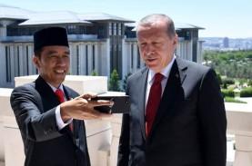 Lira Melorot Terus, Erdogan Copot Gubernur Bank Sentral…
