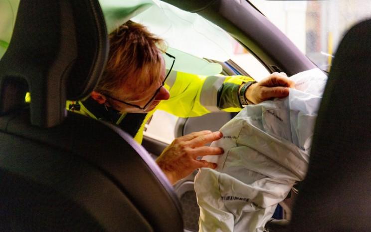 Tim ini telah beroperasi sejak 1970. Setiap kali kecelakaan yang melibatkan Volvo di sekitar Gothenburg, Swedia, baik siang maupun malam, mereka segera tiba di lokasi saat diberi tahu.  - Volvo Cars