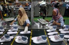PENURUNAN PERMINTAAN : Industri Alas Kaki Terpaksa…