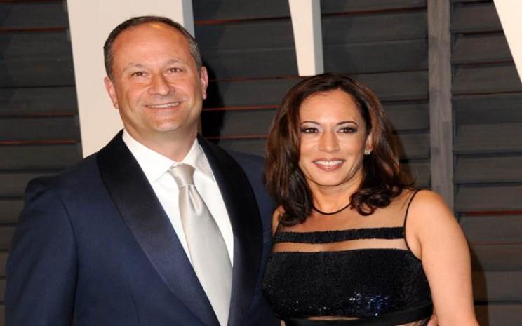 Kamala Harris dan Doug Emhoff