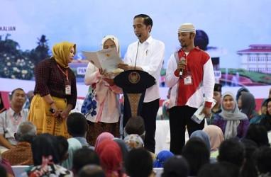 Wow! Presiden Jokowi Berikan Satu Juta Sertifikat Tanah