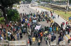 BEM SI Kembali Gelar Aksi Tolak UU Cipta Kerja di Kawasan Istana Negara
