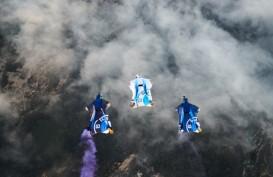 Bukan Mobil Terbang, BMW i Perkenalkan Wingsuit Elektrik Pertama di Dunia