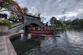 Menghilangkan Penat di Taman Air Tirta Gangga