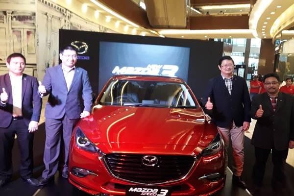Mazda 3 - Bisnis / Yusran Yunus