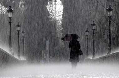 Cuaca Jakarta 12 November, Siang Hari Hujan Ringan