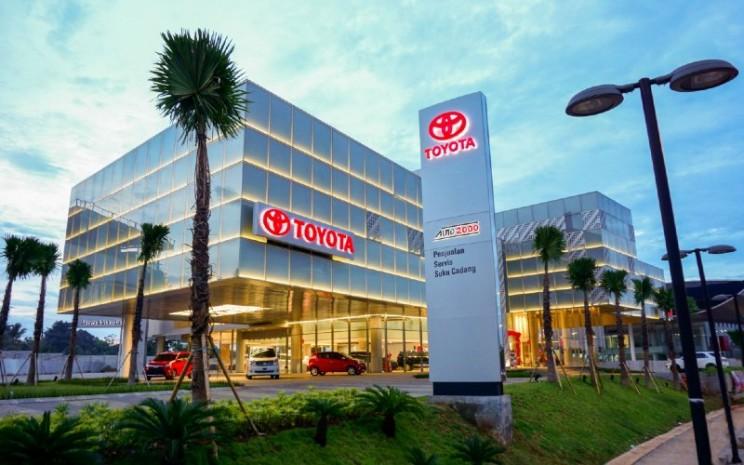 Dealer Toyota. Pada September 2019, penjualan wholesales menyentuh angka 93.527 unit, sedangkan penjualan ritel mencapai 83.127 unit.  - Auto2000