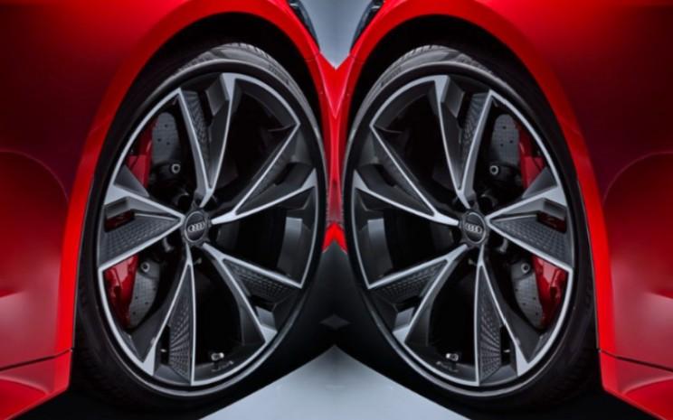 Audi RS 7 terbaru ini akan dilengkapi oleh Hankook Ventus S1 evo 3 ukuran 275/35 ZR21 (103Y) XL AO atau 285/30 ZR22 (101Y) XL AO sebagai alternatif.  - Audi