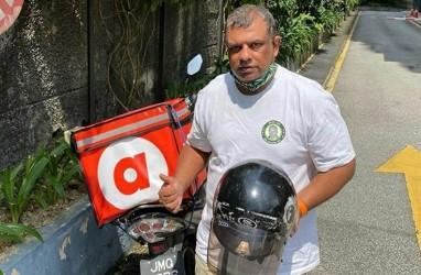 Bos AirAsia Tony Fernandes Jadi Tukang Antar Makanan? Ini Buktinya!