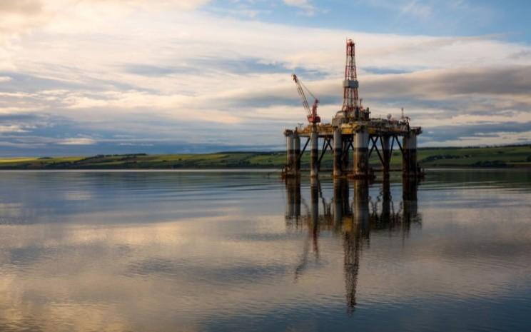 Kilang minyak lepas pantai di Skotlandia. - Bloomberg/Jason Alden