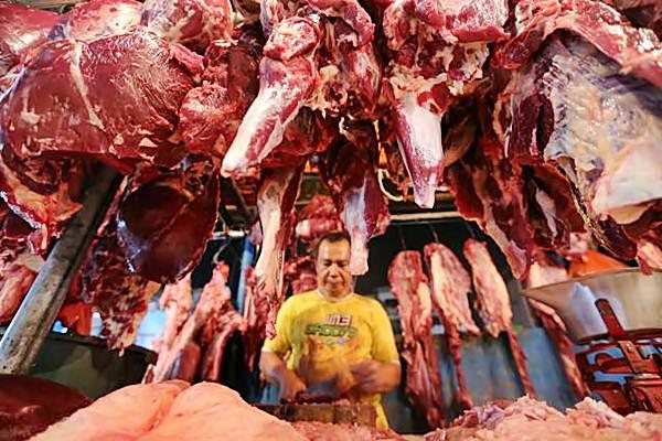Penjual daging sapi. - JIBI/Nurul Hidayat