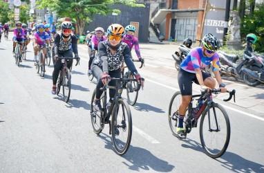 Kampanyekan Pariwisata 6 Pesepeda Wanita Tempuh Jarak Jakarta-Bali