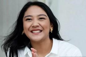 Putri Tanjung, Kiprah Anak Chairul Tanjung Antara…