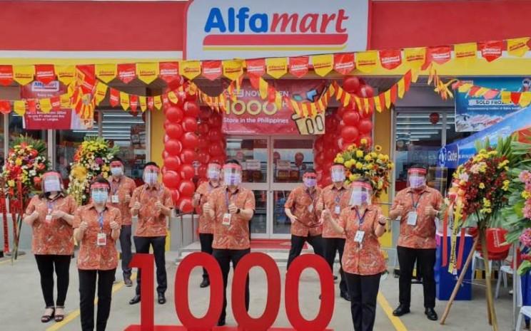 PT Sumber Alfaria Trijaya Tbk. (AMRT) memperluas ekspansi bisnisnya dengan meresmikan gerai ke/1.000 di Filipina.
