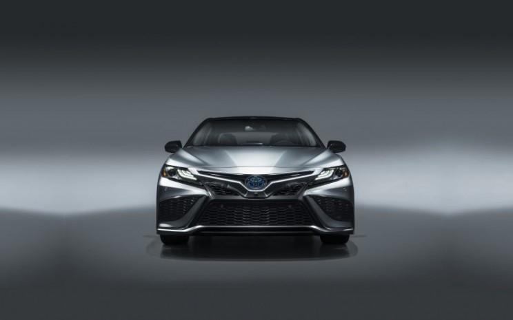 Toyota Camry XSE.  - Toyota