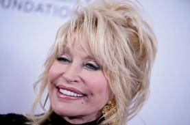 Penyanyi Dolly Parton Sumbang Rp14,5 Miliar untuk…