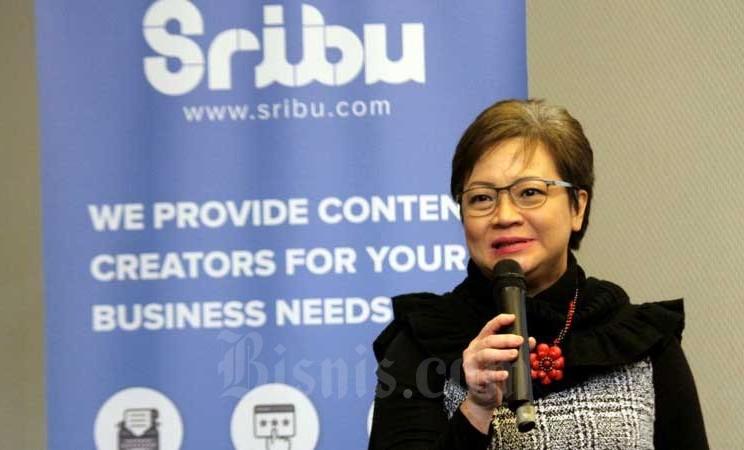 Sekretaris Perusahaan Intiland Theresia Rustandi yang merupakan salah satu klien Sribu memberikan pemaparan saat diskusi media di Jakarta, Kamis (27/2/2020). Bisnis - Arief Hermawan P