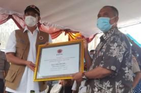 Doni Monardo Cek Protokol Kesehatan di Pengungsian…