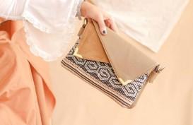 Pesona Kain Tradisional dalam Sebuah Tas