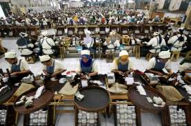 Buruh Pelinting Minta Pak Jokowi Tak Naikkan Cukai…