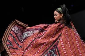 Jakarta Fashion Week dan TikTok Hadirkan Fashion Show…