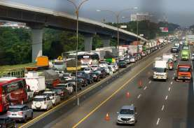 Ada Pekerjaan LRT, Sebagian Jalur Tol Jakarta-Cikampek…