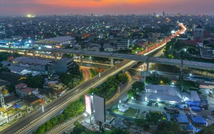 Proyek jalan tol layang AP Pettarani ini dioperasikan oleh PT Bosowa Marga Nusantara, dengan kontraktor pelaksana konstruksi adalah PT Wijaya Karya Beton.  - Nusantara Infrastruktur