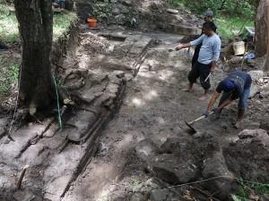 Arkeolog Melakukan Ekskavasi Pemandian Suci Peninggalan Kerjaan Majapahit