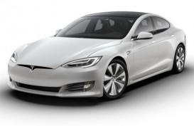 Atap Tesla Model S yang Terlepas Curi Perhatian di China