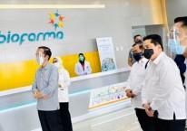 Presiden Joko Widodo meninjau fasilitas produksi dan pengemasan vaksin Covid-19 di PT Bio Farma (Persero), Bandung Jawa Barat, Selasa (11/8/2020) - Biro Pers, Media dan Informasi Sekretariat Presiden