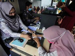 Kemendikbud Tetapkan 2.034.732 Orang Terima Bantuan Subsidi Upah Senilai Rp1,8 Juta