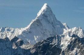 Mikroplastik Ditemukan di Gunung Everest