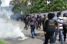 Sorong Ricuh, Empat Polisi dan Seorang Wartawan Luka-Luka…