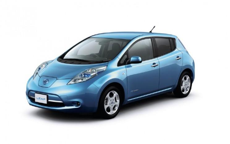 Nissan LEAF. Mobil listrik produksi massal pertama merek Nissan.  - Nissan