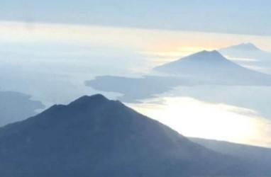 Berstatus Waspada Sejak 2017, Gunung Lewotolok Akhirnya Erupsi