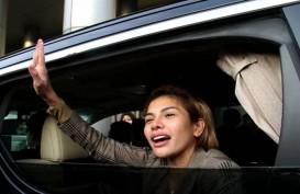 Rizieq Shihab Keluar dari RS, Reaksi Nikita Mirzani Bikin Senyum-senyum