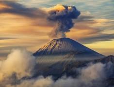 Aktivitas Gunung Semeru Meningkat, Jalur Pendakian Ditutup