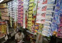 Produk Unilever dipajang di sebuah toko kelontong di India/ Bloomberg