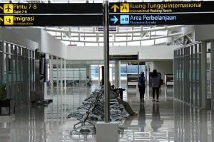 Penerbangan di Bandara El Tari Kupang Dibatalkan Akibat Erupsi Gunung Api Ili Lewotolok