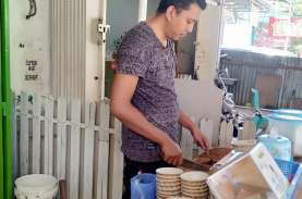 Cerita Pemilik Warung Coto di Makassar, Berani Rintis…