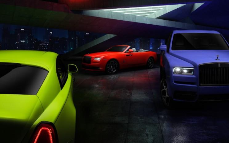 Neon Nights Dawn, edisi terbatas berwarna ngejreng untuk Dawn, Wraith, dan Cullinan Black Badge.  - Rolls Royce