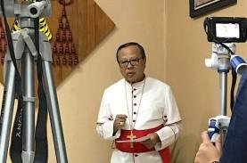 Lari Demi Guru Honorer: Kardinal, 17 Uskup, dan 900…