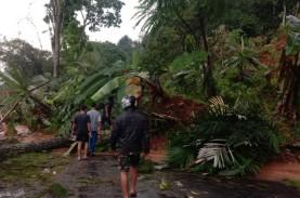 Longsor Kembali Tutup Jalur Utama Selatan Cianjur-Bandung