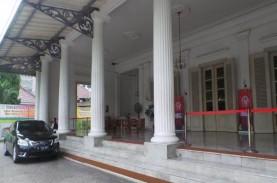 Anies Positif Covid-19, Balai Kota Disemprot Disinfektan…